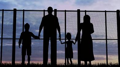 Photo of حكم جديد لمحكمة الهجرة يمنح الأشخاص ذوي الأقامات المؤقته حق لم الشمل