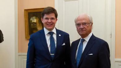 "Photo of رئيس البرلمان السويدي في أقتراح قانوني له ""الملك يختار الرئيس"""