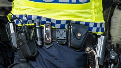 Photo of القبض على مراهق هدد عناصر شرطة سويدية  بالسلاح