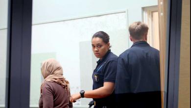 Photo of الشرطة السويدية تحتجز أم بتهمة التزويج بالأكراه وتلاحق الأب في العراق