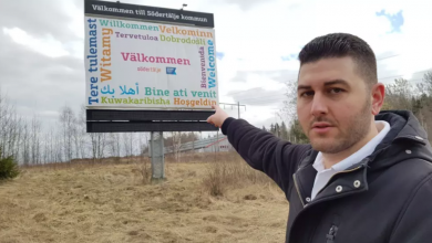 Photo of بلدية ستودرتاليا تزيل لافتة ترحيب بلغات مختلفة بعد إنتقادات بعدم وجود السريانية