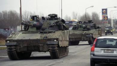 Photo of الدفاع السويدي يضع خطه شاملة من ضمنها سحب سيارات مدنية في حالة الطوارئ