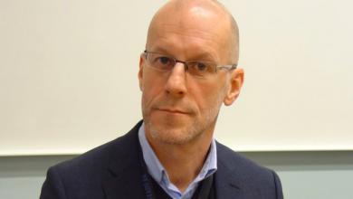 Photo of الحكم على رئيس الأستخبارات السويدي بجريمة قوادة بعد أن باع شريكة حياته