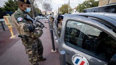 Photo of نيويورك تايمز: الشرطة الفرنسية تعامل أطفالا مسلمين كإرهابيين بعد رفضهم الرسوم المسيئة