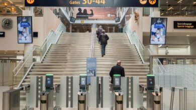 """Photo of حاولوا السفر من مطار ستوكهولم بتقديم اختبار كورونا """" مزور """" فأوقفتهما الشرطة بتهمة """" التزوير """""""