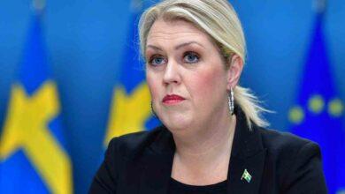 Photo of الحكومة السويدية : تم تلقيح مليون شخص ضد كورونا .. ولكن يجب إعادة تلقيحهم كل عام