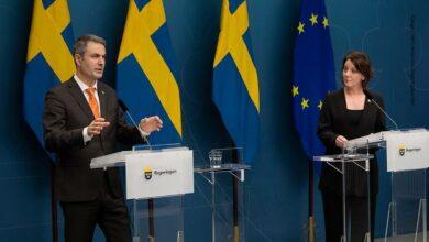 Photo of السويد لن تعلق استخدام لقاح استرازينيكا رغم وقف استخدامه في عدد من دول أوروبا
