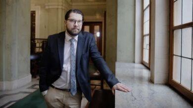 Photo of جيمي أوكيسون : المساعدات المالية في السويد للمواطنين السويديين فقط
