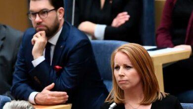 Photo of رئيسة حزب الوسط السويدي .. حزب SD حزب متطرف مناهض لليبرالية ومعاد للأجانب ويسيء للإسلام