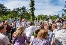 "Photo of ""ثقافة السويد"" رقصة الضفادع من مظاهر الاحتفال الصيفي؟ ما قصتها"