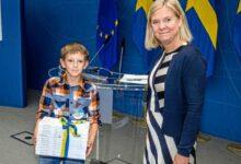 """Photo of الحكومة السويدية تريد البدء في منح علاوة """" أسبوع الأسرة """" للآباء"""