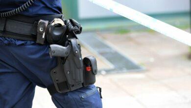 Photo of شرطي سويدي يطلق رصاصة على مشرد وإدانته بسوء السلوك