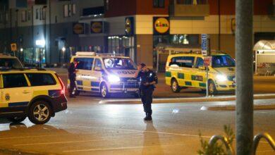 Photo of مقتل شاب إثر إصابته بأحد الأعيرة النارية في جنوب ستوكهولم